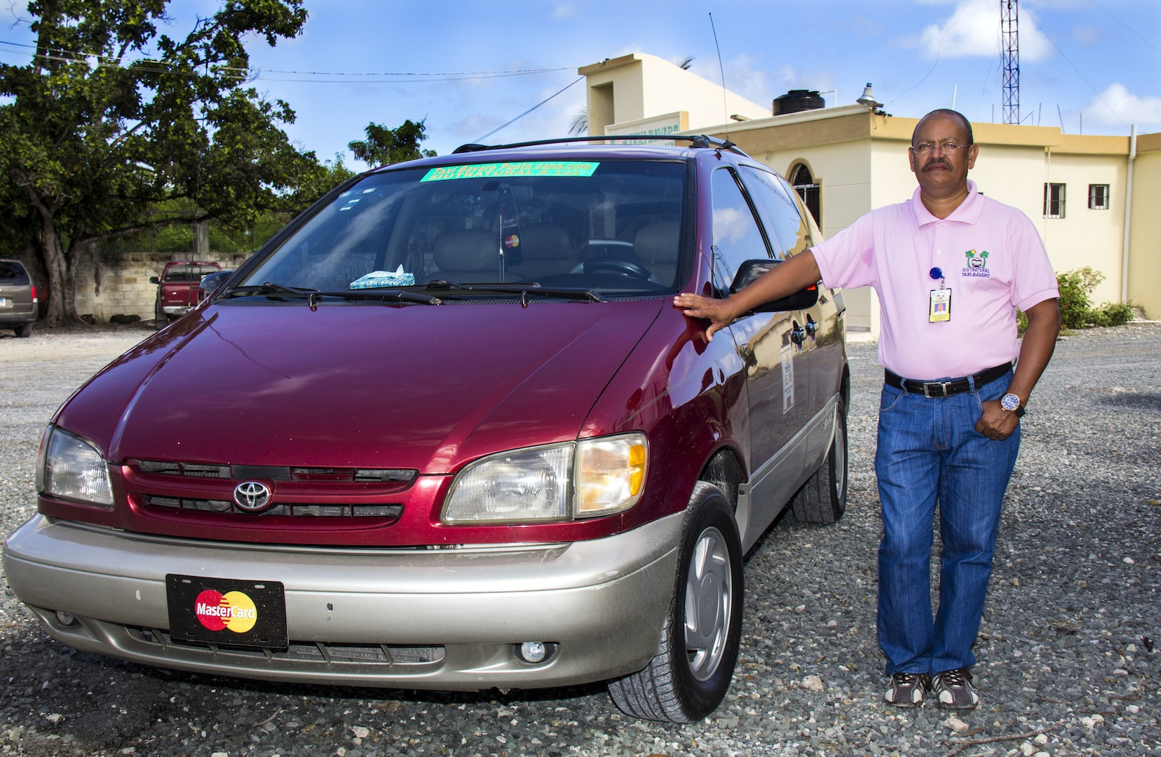 Cashless Pioneer Taxi Driver Punta Cana