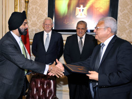 Ajay Banga, CEO, MasterCard and H.E. Atef Helmy, Minister of Communications and Information Technology, Egypt