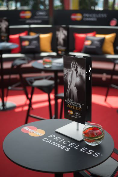 Priceless Cannes _table top