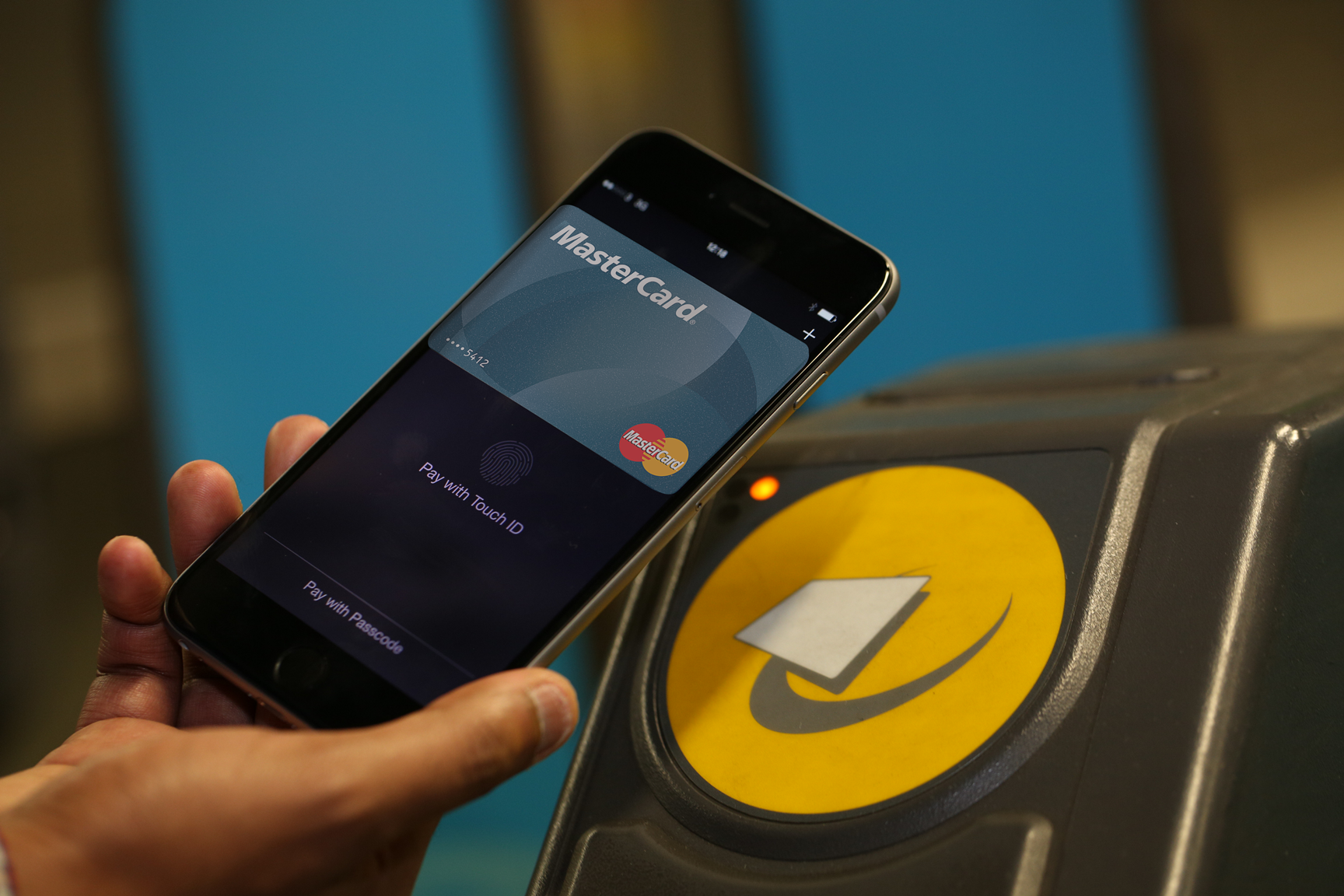 Apple Pay in use